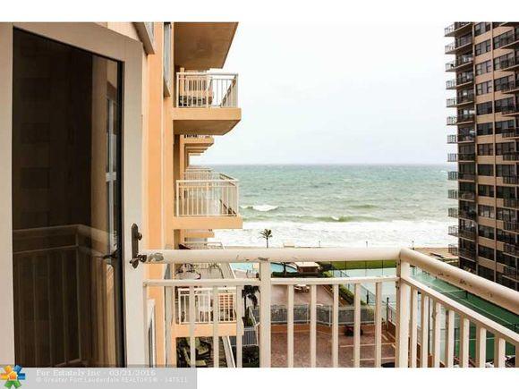 Apartamento em Frente a Praia em Fort Lauderdale, Florida -$497,500
