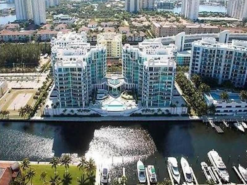 Apartamento de Alto Luxo - Aventura - Miami - $534,900