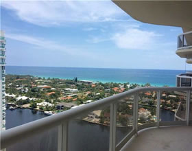Apartamento com vista do mar em Aventura - Miami - $549,000