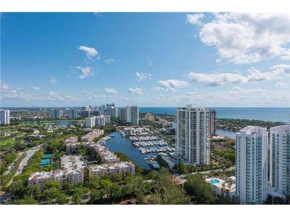 Apartamento de Luxo em andar alta - Aventura - Miami - $550,000