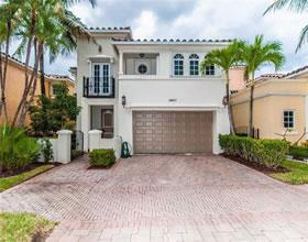 Casa em Aventura com Piscina Particular - $1,299,000
