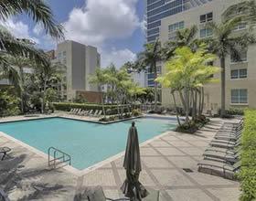 Apartamento todo branquinho - 2 dormitórios - Centro - Edgewater - Miami - $410,000