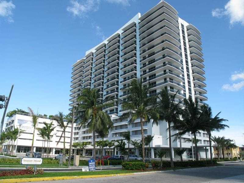 Apto Grande construido em 2007 - North Bay Village - Miami Beach - $499,900