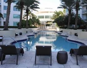 Duplex 2 Dormitórios em Downtown - Miami - $370,000