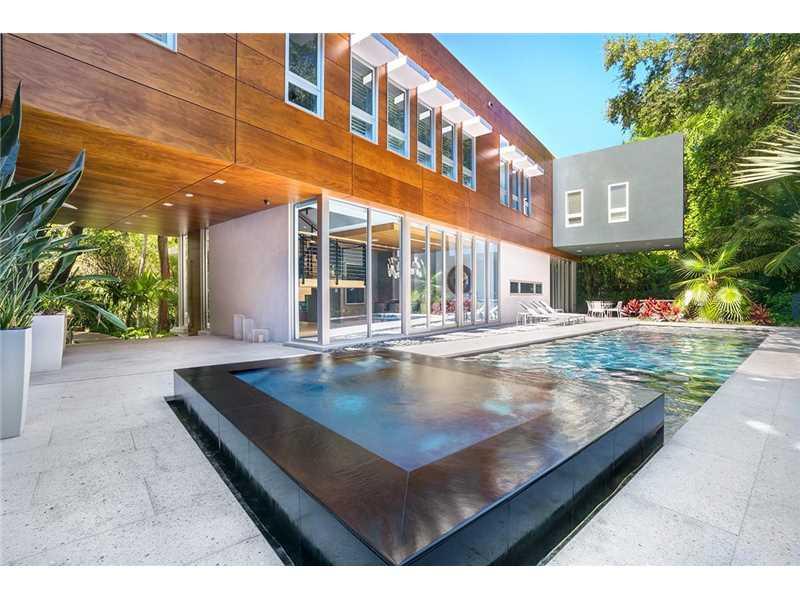 Casa de luxo moderna em coconug grove miami beach for Casa moderna orlando