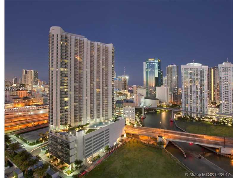 Apartamento Lindo A Venda no Wind Condo - Downtown Miami $359,900