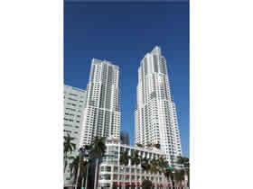Apartamento mobiliado o lado o Metro em Downtown - Miami $350,000