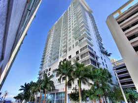 Apartamento A Venda no Solaris - Brickell / Downtown Miami - $385,000