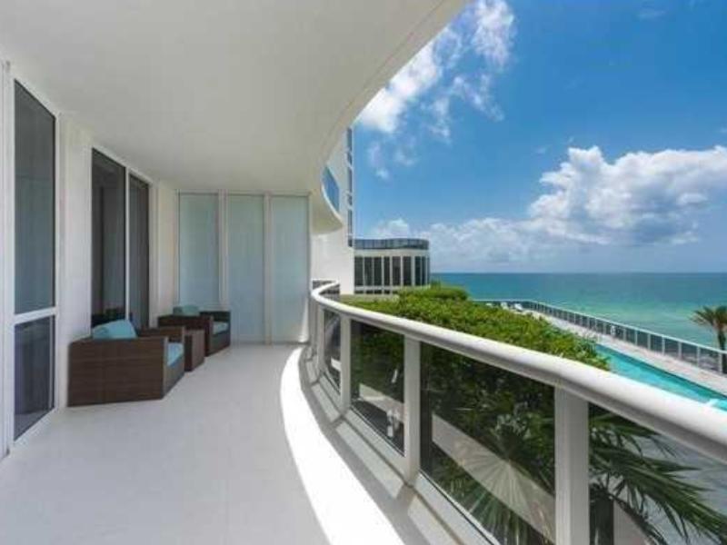 Apto em frente a praia - 3 dormitorios - Miami Beach $1,680,000