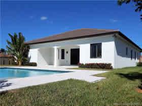 Casa Nova com Piscina em Homestead - Miami $595,990