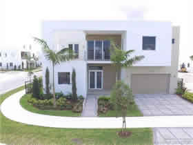 Nova Casa Moderna A Venda em Doral $988,000