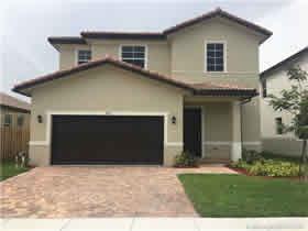 Nova Casa A Venda em Homestead - Sul de Miami $390,450