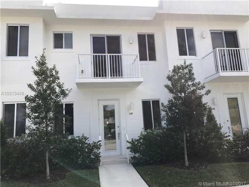Casa Geminada Duplex Nova em Aventura $399,000