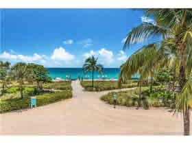 Apto Reformado no Balmoral - Em Frente A Praia - Bal Harbour - Miami Beach - $850,000