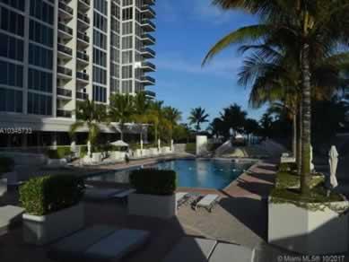 Apto Que Pode Ser Alugada Por Temporada Em Frente A Praia em Apart-Hotel - $620,000