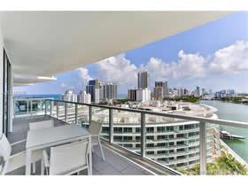 Apto Chique em frente à baia com vistas excelentes – Miami Beach - $690,000