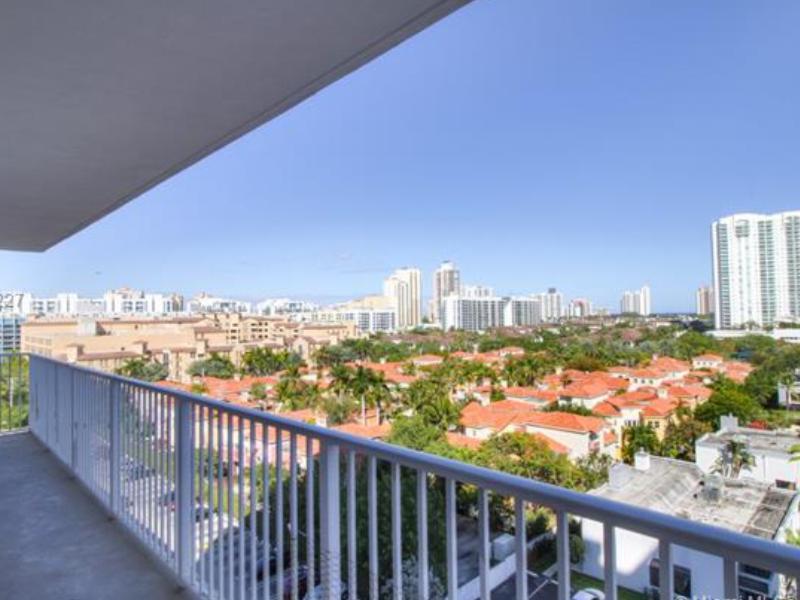 Apartamento 3 Quartos Reformado e Mobiliado em Aventura - $349,000