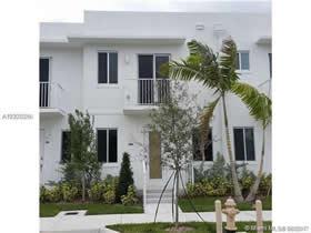 Casa Geminada 3 Dormitórios no Aventura Place - $350,000