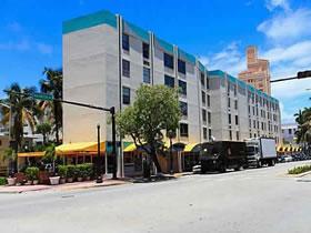 Maravilhosa Townhouse a Venda em South Beach, Miami Beach $159,900