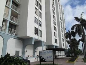 Apartamento Para Vender em Frente a Praia, no Ocean Park em Miami Beach 239,900