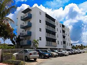 Apartamento em Condomínio a Venda em Maravilhosa Localidade $284,900