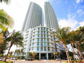 Luxuoso Apartamento no Quantum on the Bay, em Miami $274,900