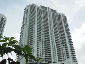 Apartamento em Miami com Vista Maravilhosa $259,900