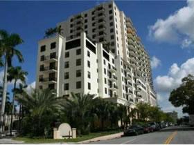 Espetacular Apartamento a Venda em Coral Gables, Florida $325,000