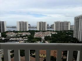 Apartamento em Aventura com Excelente Vista $715,000