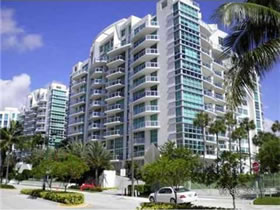 Apartamento em Aventura com Academia e Mobilhado pela ArtedeFacto $615,000
