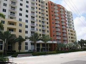 Imóvel em Aventura, Miami - Bom para Brasileiros Investirem! $220,000