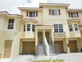 Townhome Maravilhosa em Miami Beach $279,000