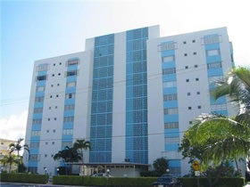 Apartamento com Vista Fantástica em Bay Harbor Islands, Miami $230,000