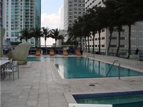 Espetacular Apartamento em Miami Beach com Vista para Biscayne Bay $389,900