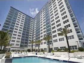 Collins Ave - Miami Beach em frente a praia $315,000