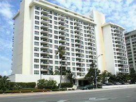 Collins Ave - Miami Beach - Apto. 2 Quartos $385,000