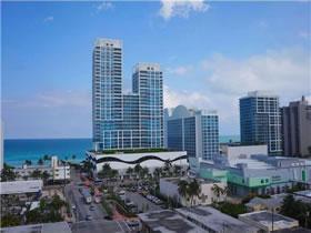Apartamento de 2 Quartos em Miami Beach $360,000