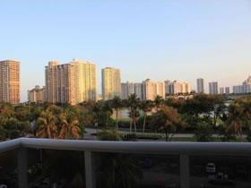 Apartamento Chique Aventura - Miami $285,000