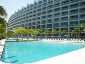 Apartamento Moderno em Aventura $309,000