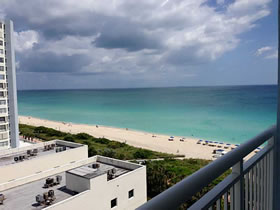Apartamento em Miami Beach c/ Vista para o Mar - Collins Ave $245,900