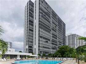 Penthouse Apartamento 2/2 - Aventura - Miami - Perto da Praia $289,000