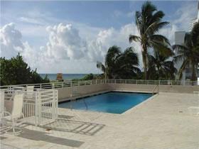 Apto em frente a praia - Ocean Drive - South Beach / Miami Beach $377,000