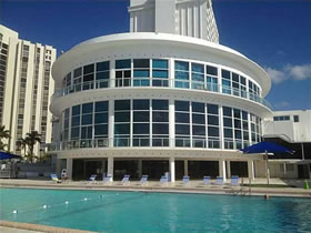 Collins Ave- Miami Beach Apto em Frente a Praia $224,000