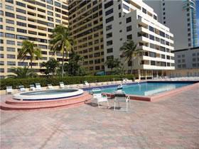 Apartamento Collins Ave - Miami Beach - Em Frente O Mar $377,000