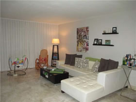 Apartamento Miami Beach 2/2 $409,000