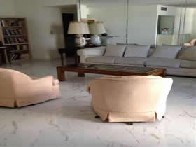 Grande Apto. 2/2 em frente a praia - Collins Ave - Miami Beach - Millionaires Row $ 449,000