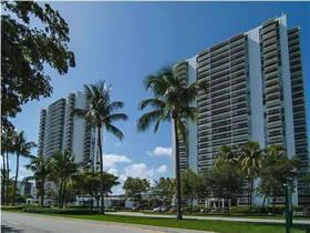 Apto 2/2 Aventura - Miami perto da praia $240,000