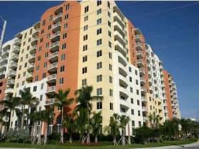 Apartamento 2/2 prédio moderno - Aventura - Miami $289,000