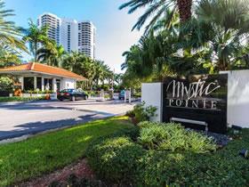 Apartamento com varandão em Aventura - Miami $449,000
