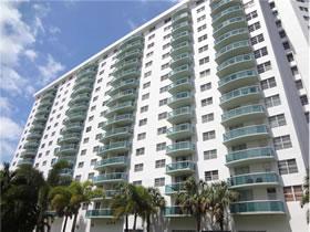 Apartamento Sunny Isles / Collins Ave - Miami Beach $300,000